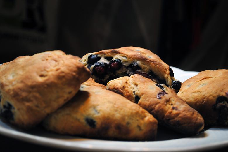scones-black